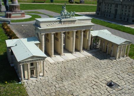berlin-brandenburgertor-in-miniatur.jpg